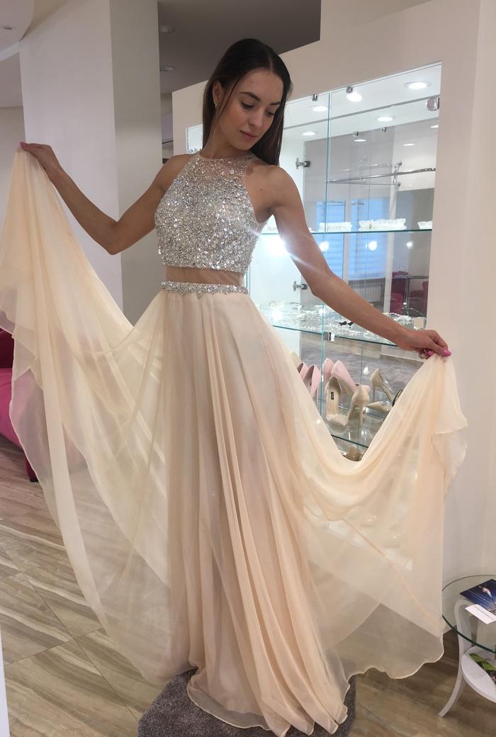 7346063179bf16d Модные, блестящие, расшитые вечерние платья в Киеве