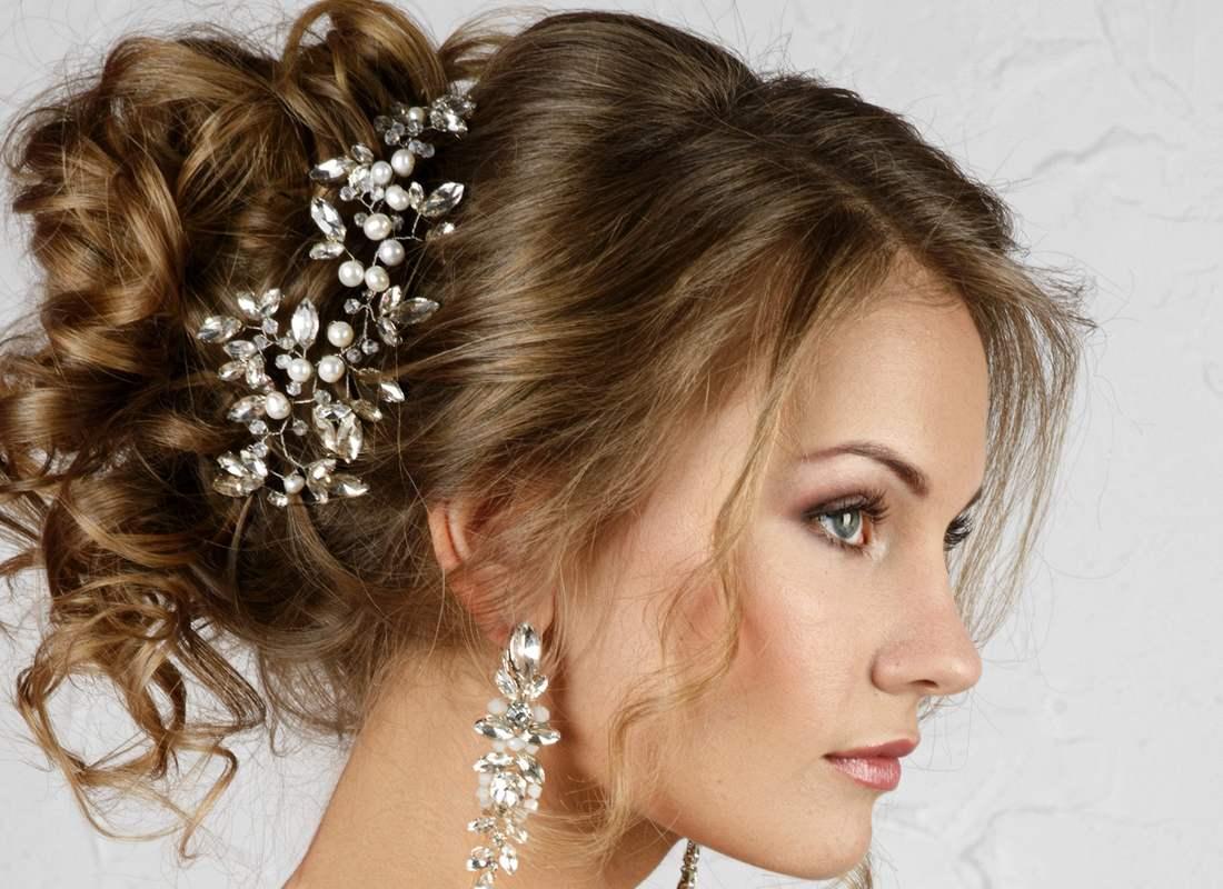 Прически с украшениями для волос картинки
